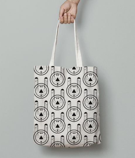 Gray wolf tote bag front
