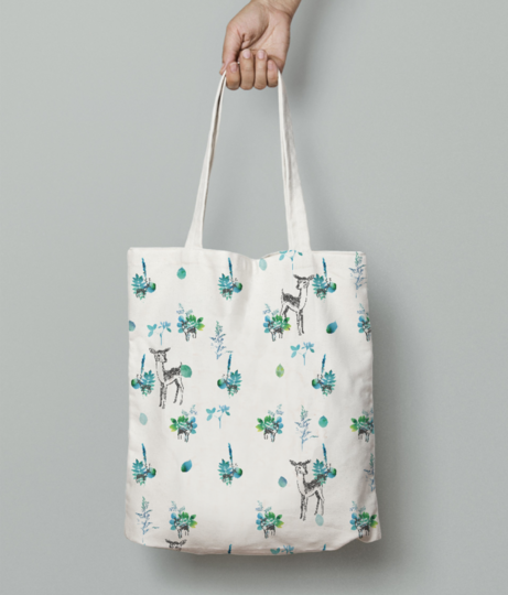 Winter deer tote bag front