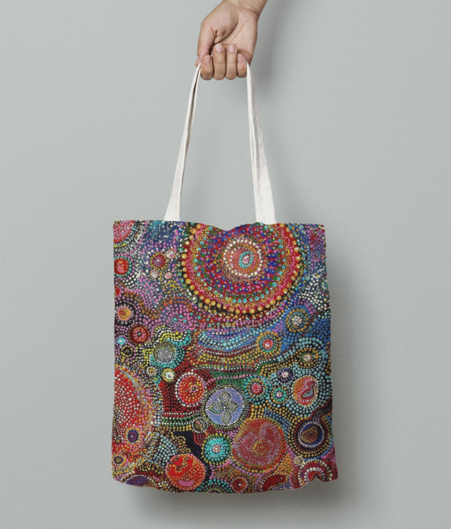 African dots tote bag front
