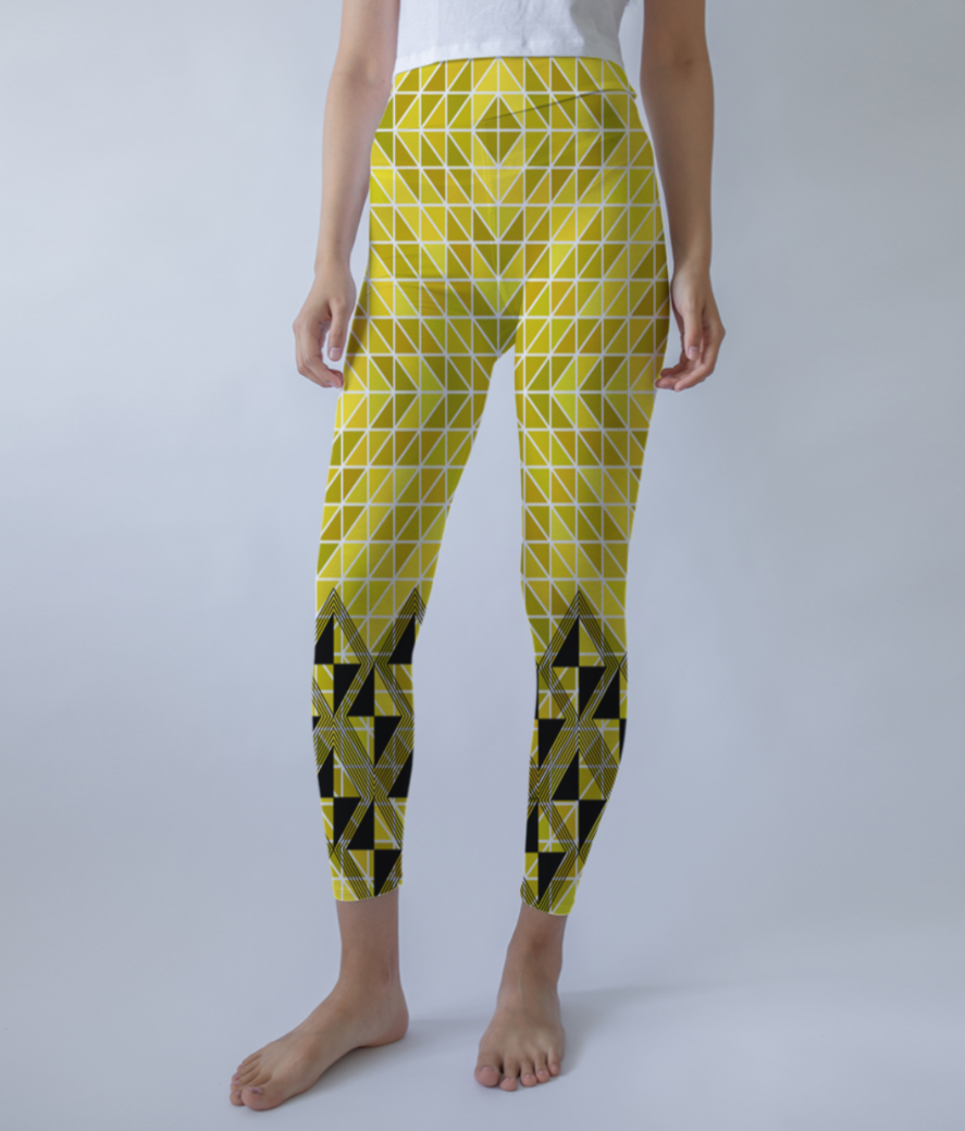 Pattern yellow leggings front