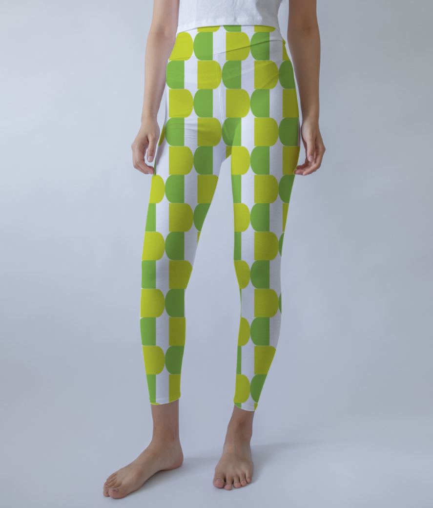 Green seamless pattern background leggings front
