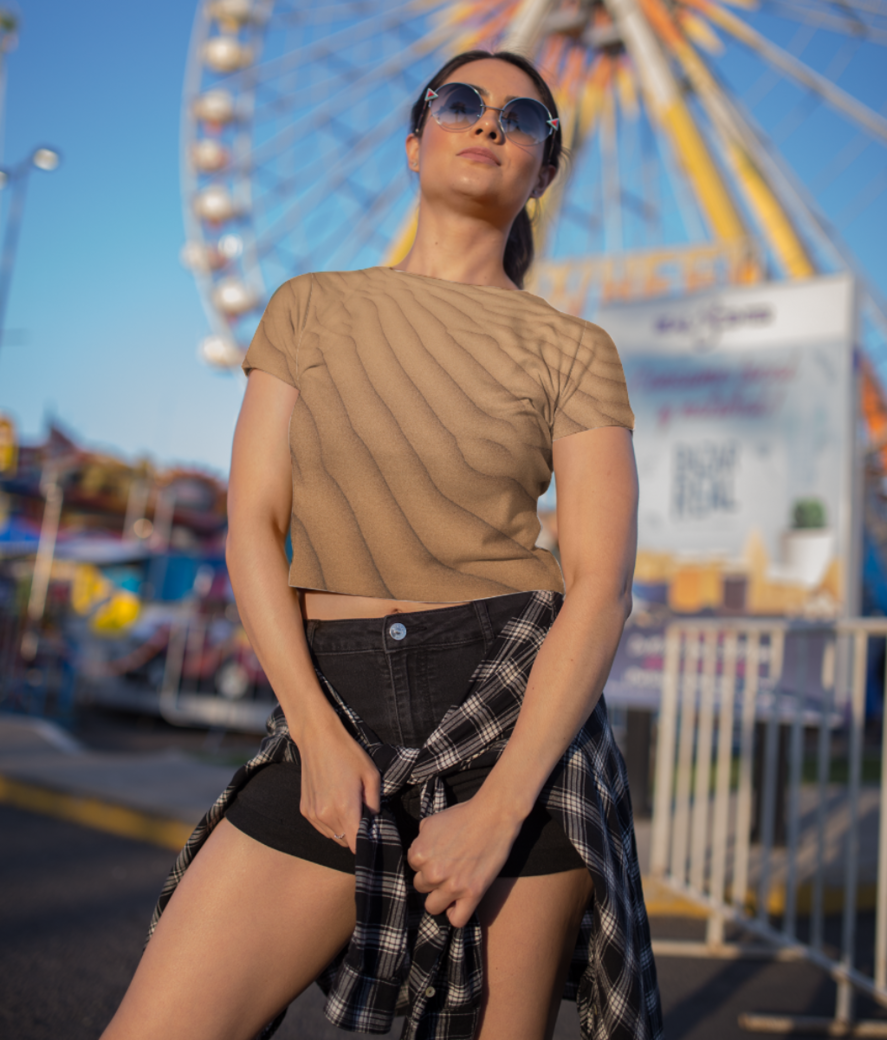 Sandy ray crop top front
