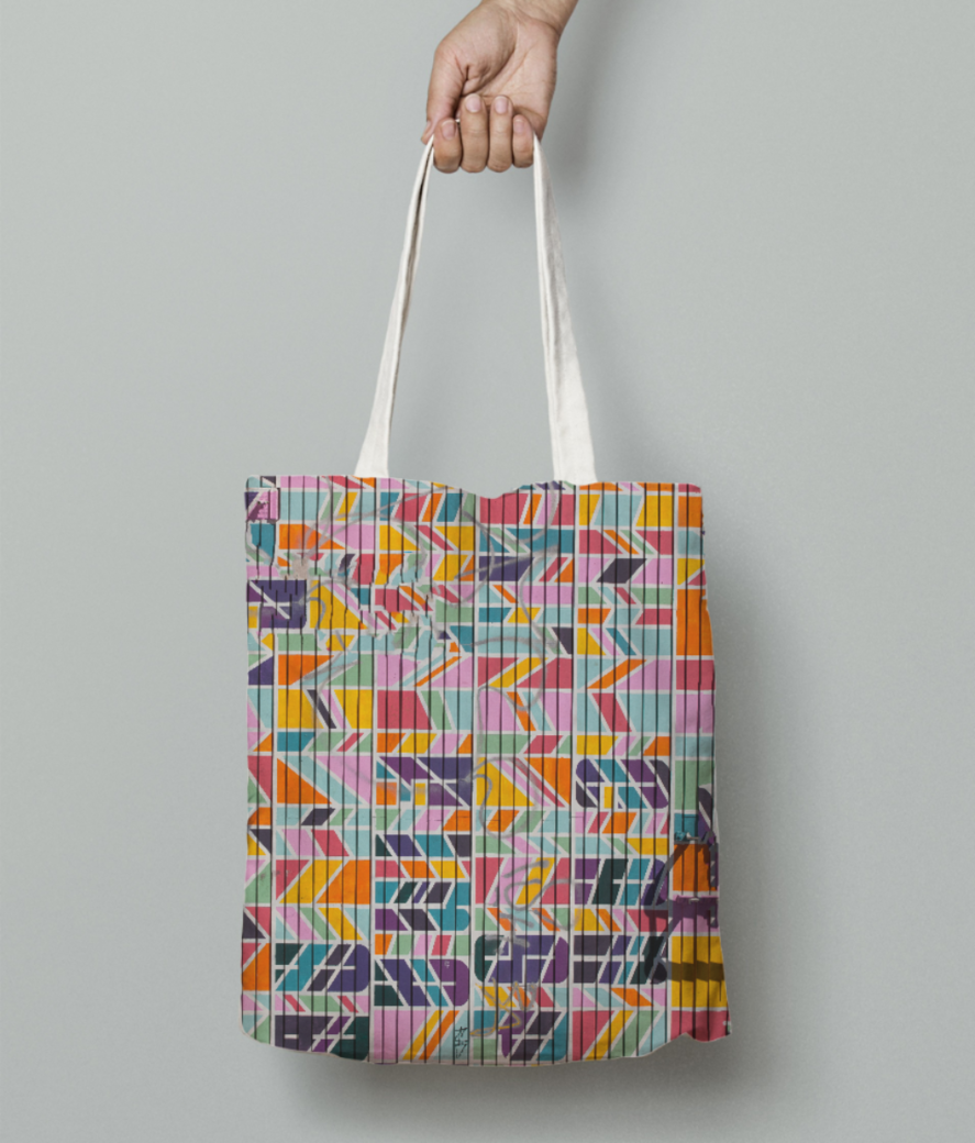 Pinky connection tote bag front