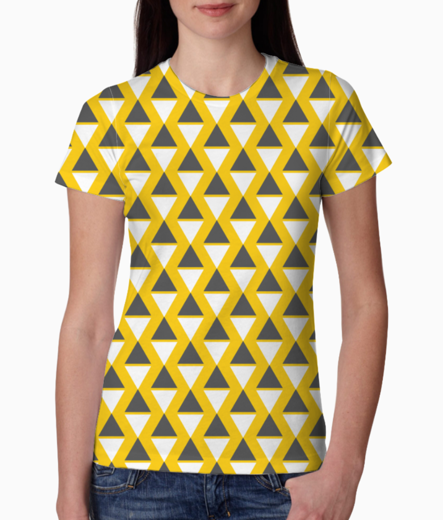 Yellow pyramid pattern tee front