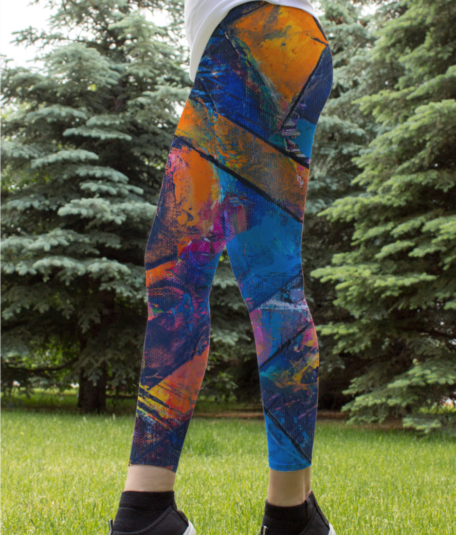 Abstract triangle leggings front