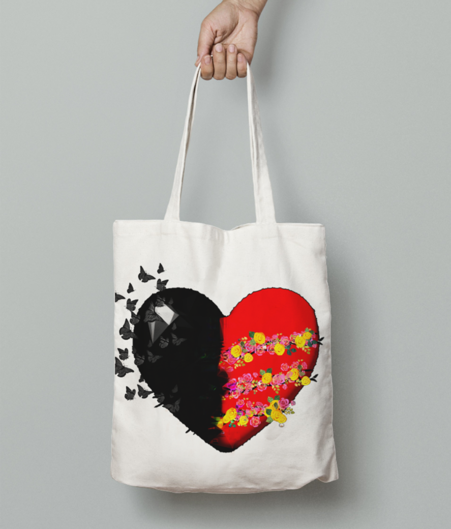 Heart tote bag front