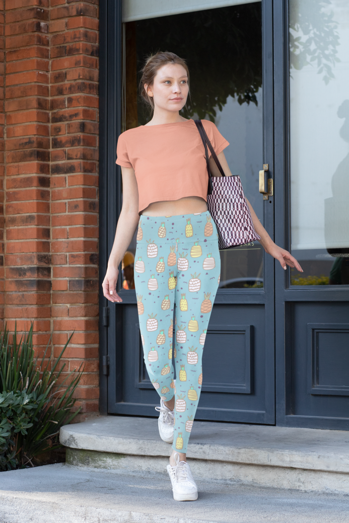 Mockup of a woman wearing high waisted leggings and a crop top 31502